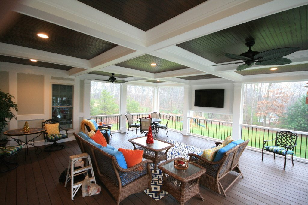 Maryland Porch With Tv